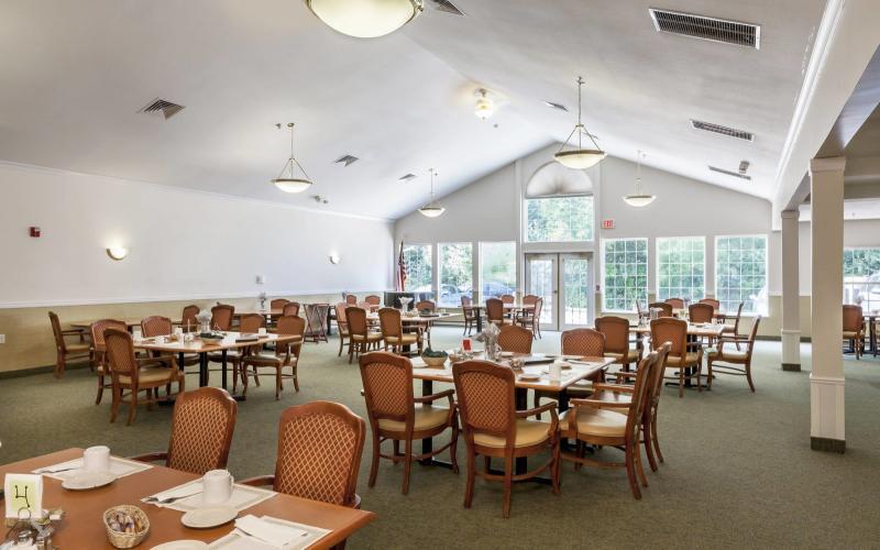 Pine Ridge of Plumbrook | SeniorLiving.com